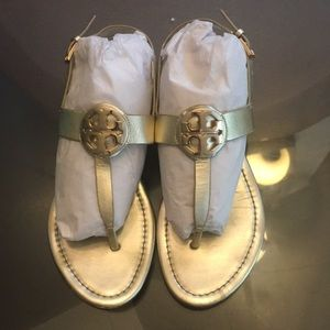 Tory Burch Gold sandals preloved size 8